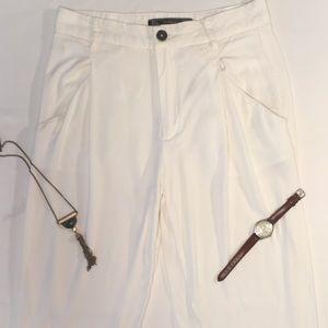 Trafaluc Zara Cropped Pleated Pant. Sz S